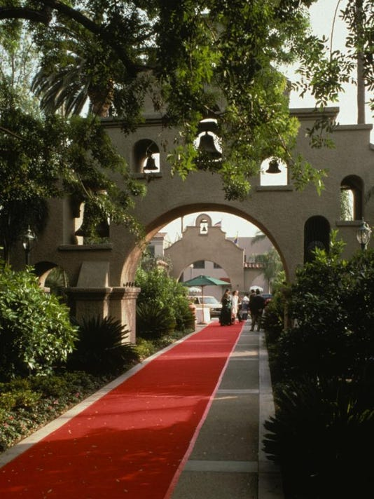 1213 red carpet treatment Mission Inn in Riverside, courtesy photo (2)