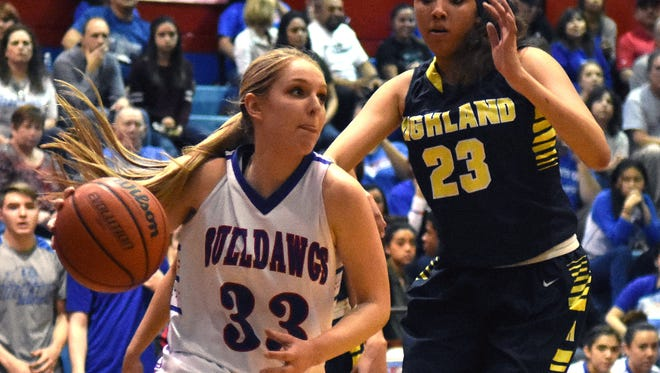 Las Cruces High's Sarah Abney (33) verbally committed to play basketball at Sacramento State.