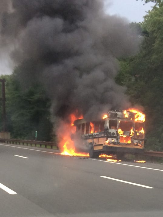 636372631544340019-bus-fire.jpg