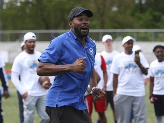 Former Detroit Lions receiver Calvin Johnson encourages