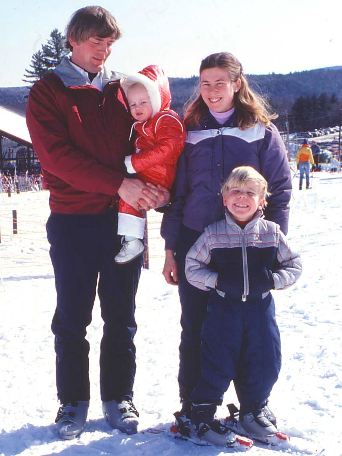 Tim and Diane Mueller with children Ethan and Erica