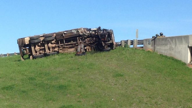 A diesel tanker rollover is leaking and has shut down traffic near Jewella Avenue and 3132.