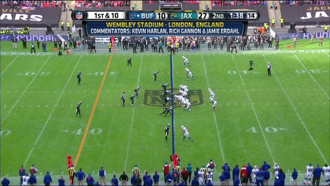 A screen grab from Yahoo's NFL broadcast Oct. 25, 2015.