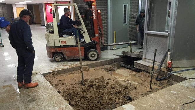 A water main break at the Sturgeon Bay School District's main building is the cause of Thursday's early dismissal.
