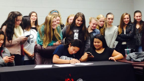 Asheville High senior Lia Messersmith has signed to play college field hockey for Mount Holyoke (Mass.).