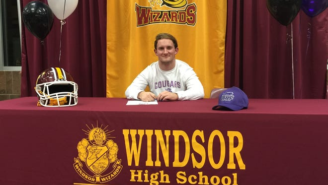 Windsor running back Jake Shields signed to play football at the University of Sioux Falls on Thursday.