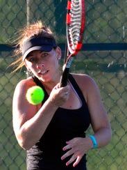 Lauren Duffy returns the ball to Dagney Markle during