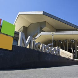 Microsoft results boosted by cloud; PCs still a drag