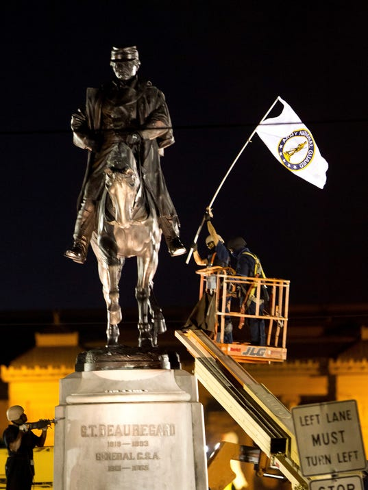 AP CONFEDERATE MONUMENTS NEW ORLEANS A USA LA