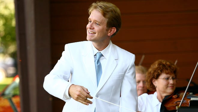 Under director Thomas Heuser, the San Juan Symphony will perform concerts this fall that feature the works by Mozart, Dvorak, Stravinksy and Brahms.