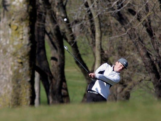 -she s Oostburg Vs Howards Golf0423-gck-01.JPG_20150423.jpg