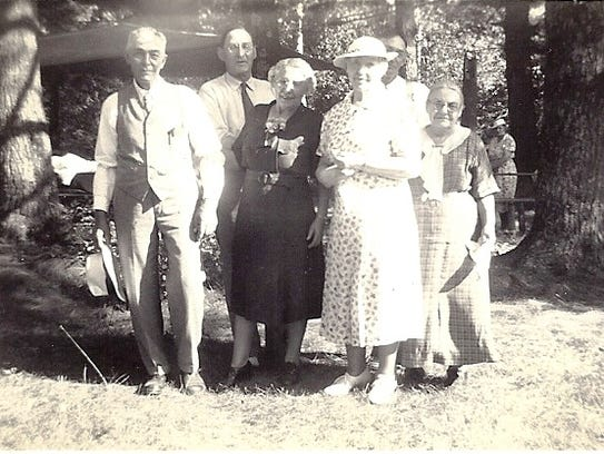 An Eberhardt reunion in 1938 on the farm of Henry Eberhardt.