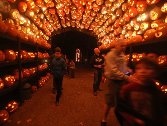 halloween u0026 39 s jack o u2019lantern blaze ticket sales start sept  1