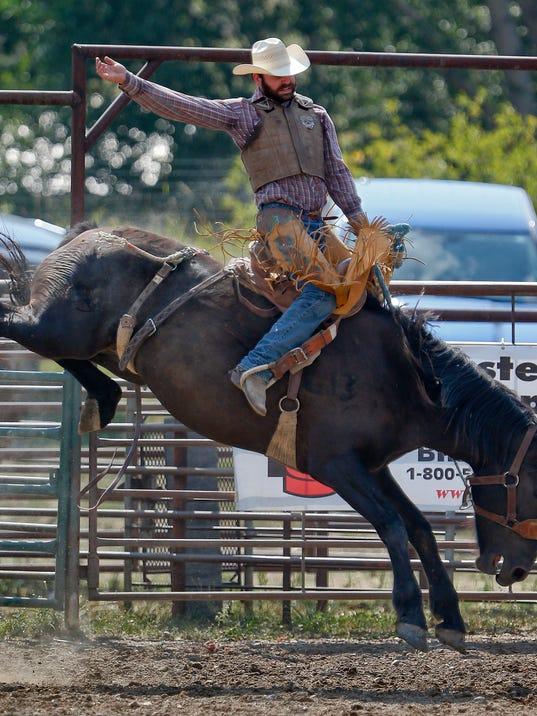 -Mapston Rodeo 1.jpg_20130824.jpg