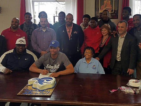 Darnell Brodie celebrates signing with Seton Hall