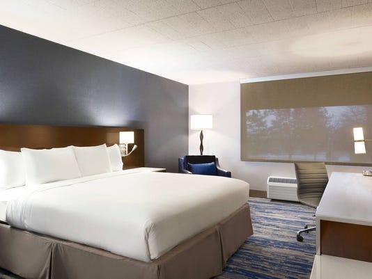 636638050266904740-dtwde-guestroom-0009-hor-wide.jpg