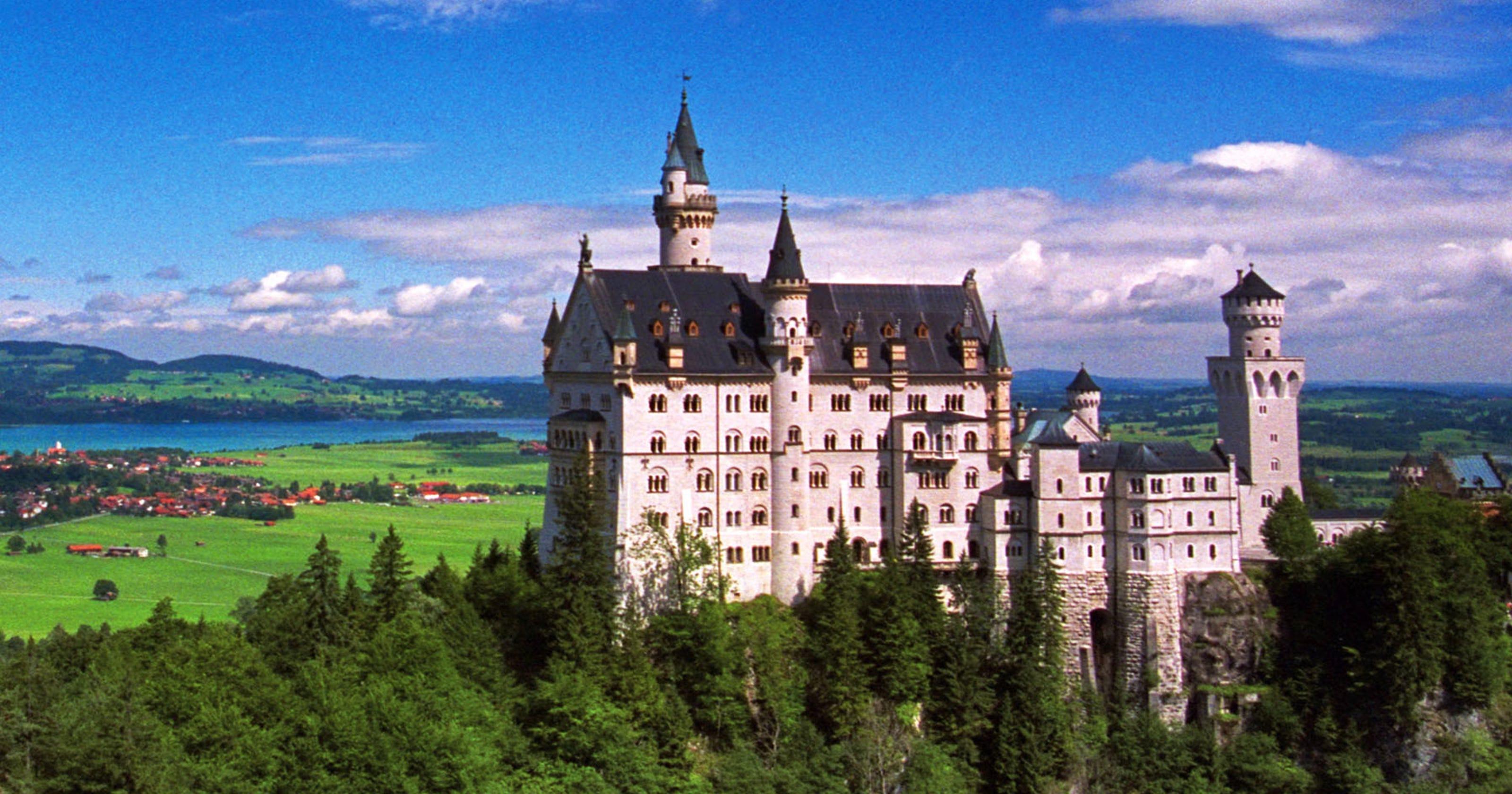 Rick Steves: Strikingly different castles offer worlds-apart