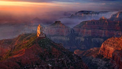 A sunrise from Point Imperial at Grand Canyon National Park