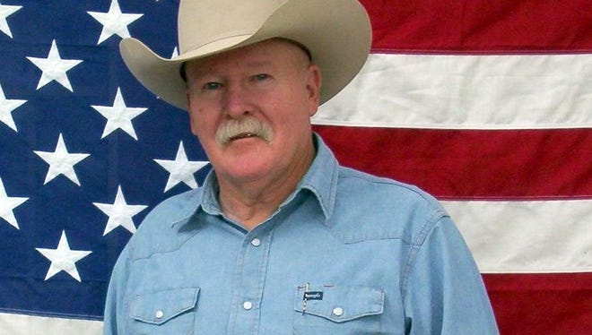 Chris Isaacs, cowboy humorist and storyteller, will perform at 6 p.m. on Thursday at the Luna Rossa Winery. Admission is free.