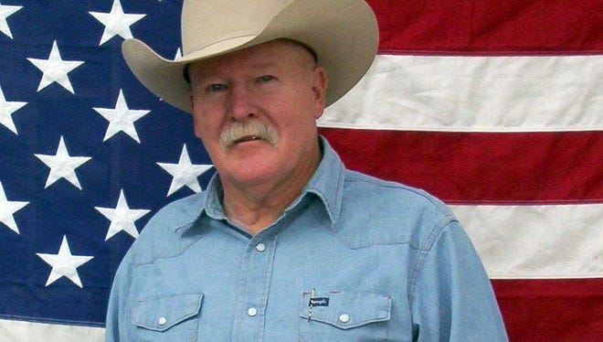 Cowboy humorist and entertainer Chris Isaacs will perform at 6 p.m. on Thursday, Nov. 17, 2016 at Luna Rossa Winery, 3710 W. Pine St. Admission is free.