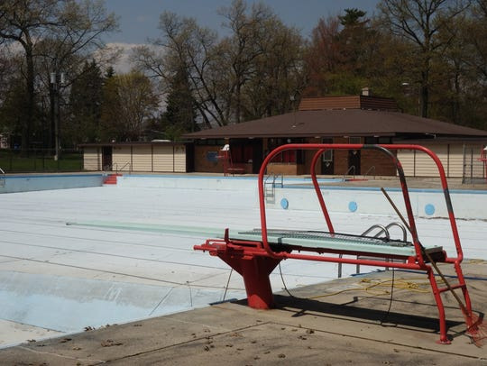 The Colburn Park pool remains empty as city officials