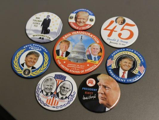 636199067834962167-TRUMP-CAMPAIGN-BUTTONS.JPG