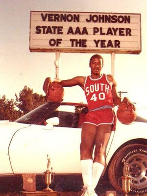 It's tough to pick a starting five out of all those players who donned blue, red and gray. But here is Richard Obert's top South Mountain basketball players all-time.