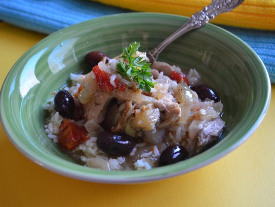 This Greek inspired slow cooker recipe has chicken