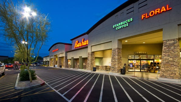 An entity of Glenwood Development Co. paid $10.05 million for The Shoppes at Highlands Village in Mesa.