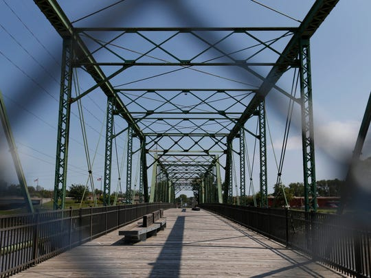 Access is blocked Friday, Aug. 21, 2015 to the Jackson Street Bridge near Southwest Fifth Street in Des Moines.