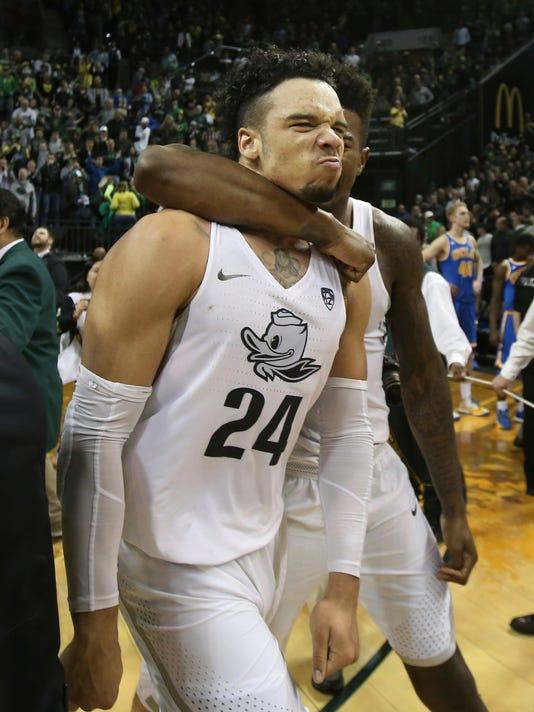 2 UCLA On Brooks 3 Pointer