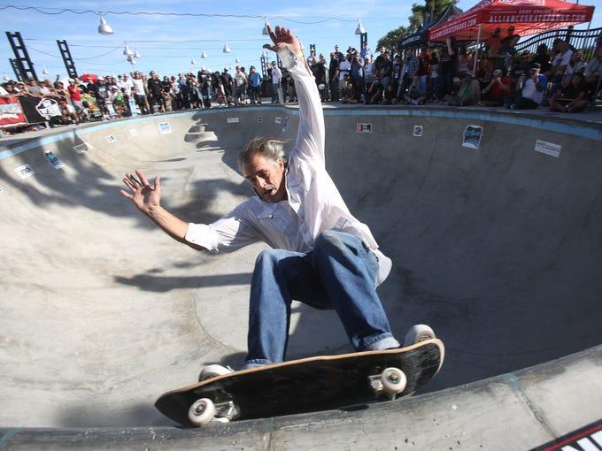 Steve Olson skates at the El Gato Classic at the Palm