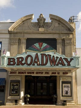 A fund-raising effort in Pitman is seeking $90,000 to put a pocket park on a street adjacent to the Broadway Theatre.