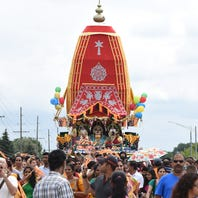 See a 40-foot chariot pulled through Novi during Sunday's Festival of Chariots