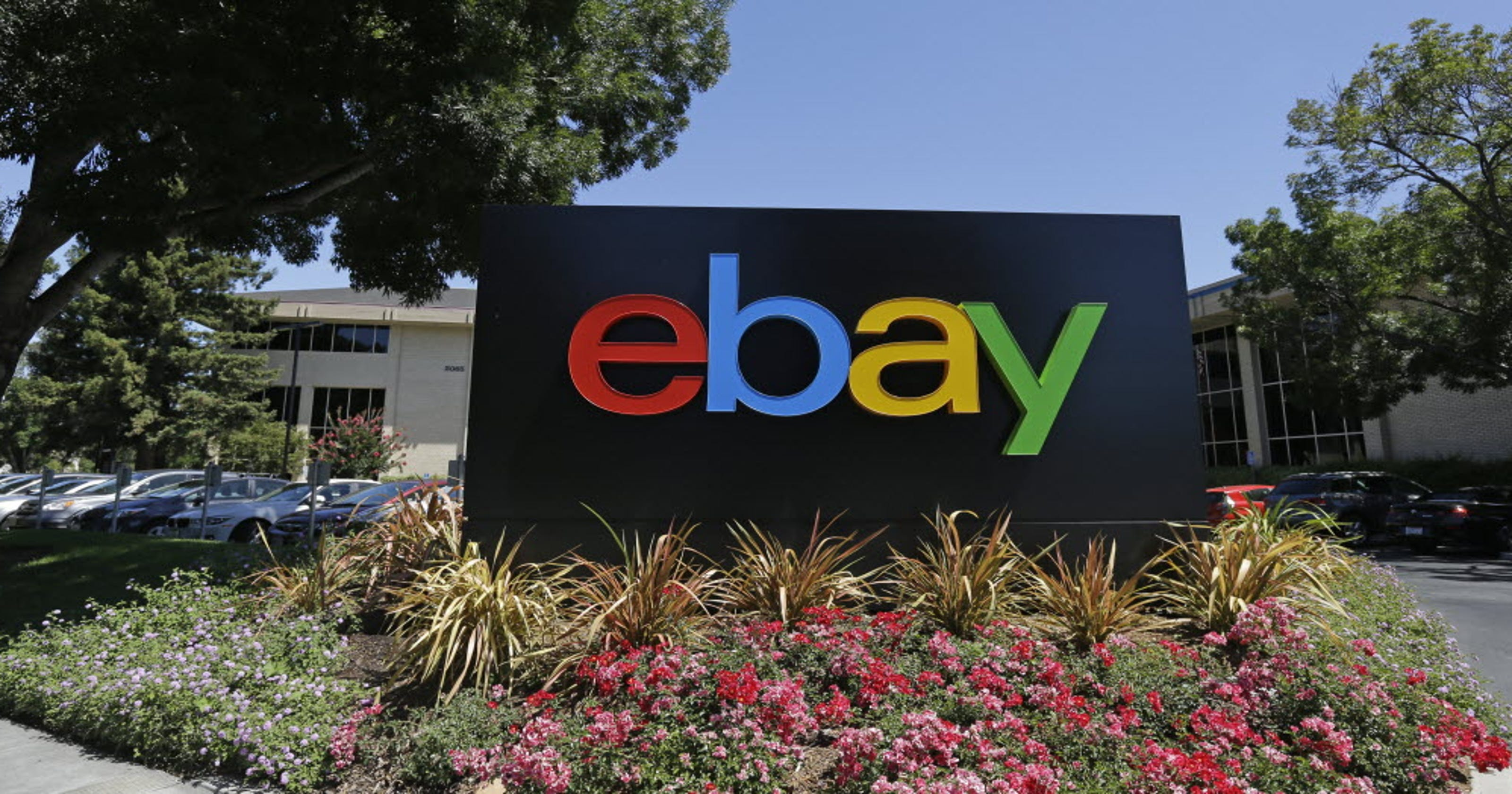 EBay sells stake back to Craigslist