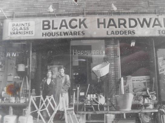 Black's Hardware circa 1955.JPG