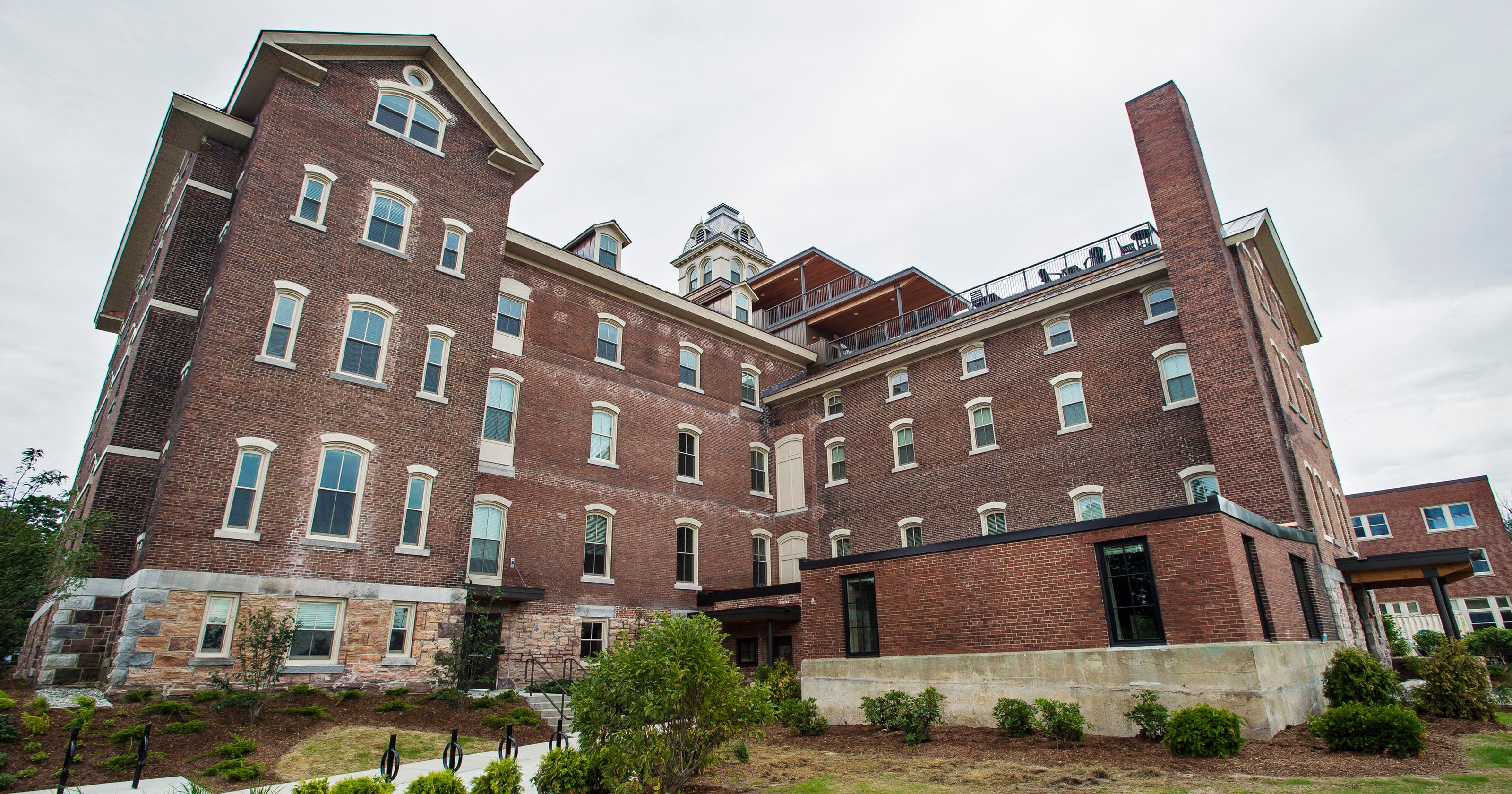e7da664b22edf3 What we know  Jane Sanders aide says feds end Burlington College  investigation