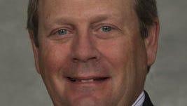 Kroger Senior Vice President Mike Schlotman joins the CVG airport board.