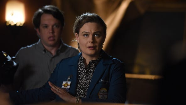 Guest star Eric Millegan and Emily Deschanel in the
