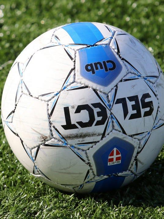 635785561429079204-girls-soccer