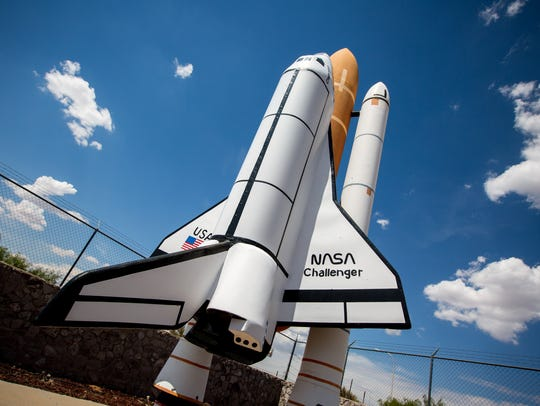 A model of the NASA space shuttle Challenger points