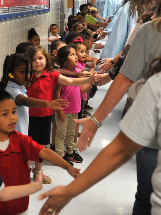 Graduating seniors encourage younger students to succeed