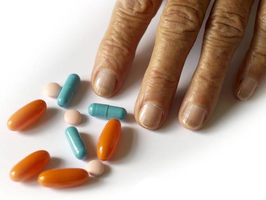 635686627390500364-drugs