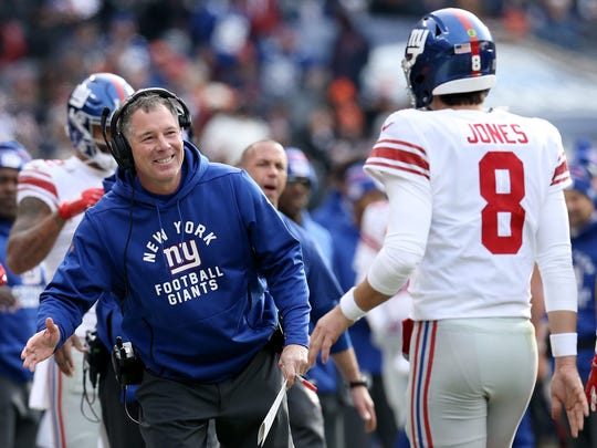 CHICAGO, ILLINOIS - NOVEMBER 24: Head coach Pat Shurmur of the New York Giants celebrates with Daniel Jones after scoring a touchdown in the second quarter against the Chicago Bears at Soldier Field on November 24, 2019 in Chicago, Illinois. (Photo by Dylan Buell/Getty Images)