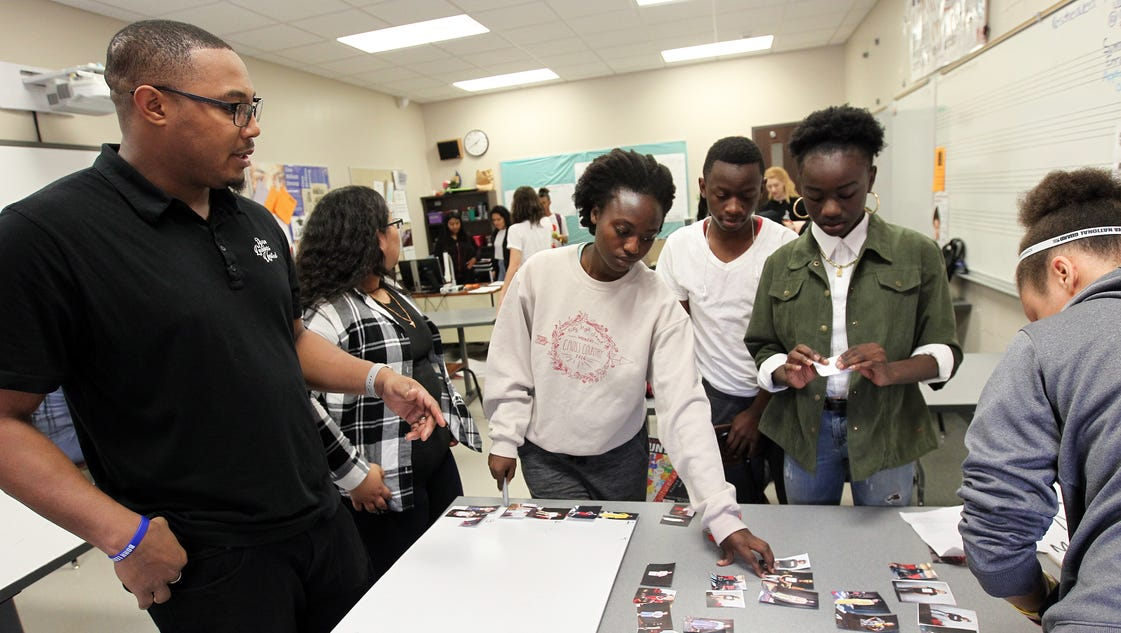 Hands-on fashion class emphasizes diversity at City High