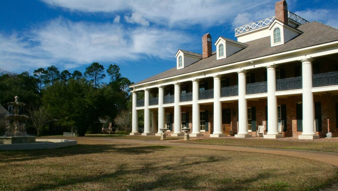 Maison Bonne Vive, an Alexandria mansion modeled after Louisiana's Oak Alley Plantation, goes to auction on March 12.