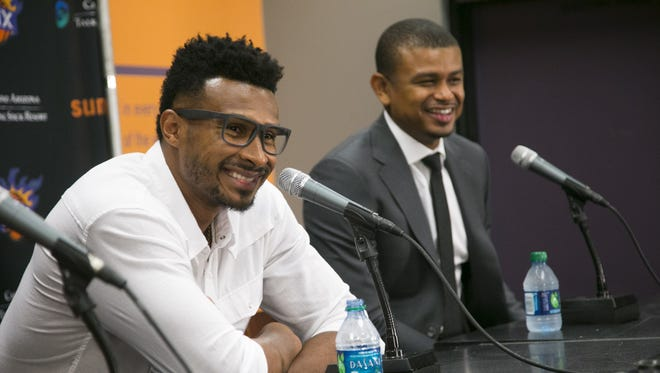 Leandro Barbosa speaks during a press conference as Suns head coach Earl Watson announcing that Barbosa will be joining the Suns for his third stint, at the presser at Talking Stick Resort Arena in Phoenix on Tuesday, July 19, 2016.