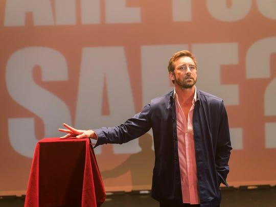 Charismatic Joe Macmillan (Lee Pace) mesmerizes a San