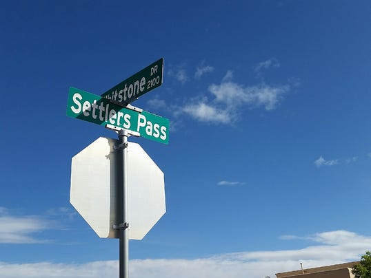 Settlers Pass street sign construction project photo