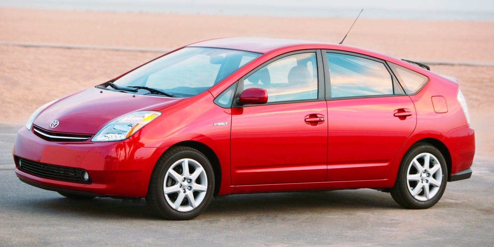 Toyota recalls U.S. Priuses in 2.77M global recall